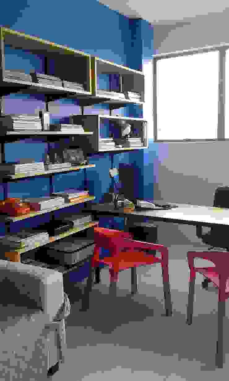 Escritório de Design de Interiores Espaços comerciais ecléticos por Cristiano Carvalho Arquitetura e Design Eclético
