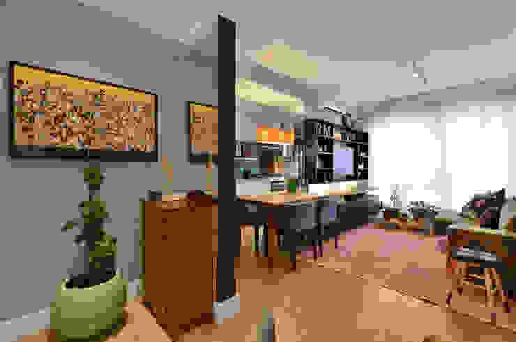 Koridor & Tangga Modern Oleh CR Arquitetura&paisagismo Modern