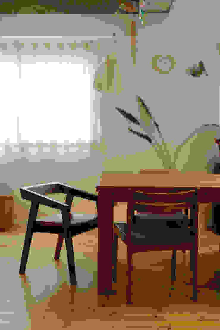 テーブルを囲む家 インダストリアルデザインの ダイニング の ELD INTERIOR PRODUCTS インダストリアル