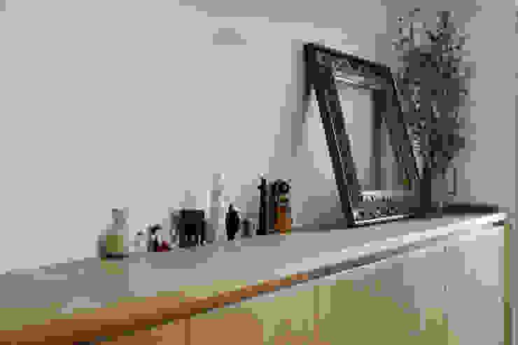 シンプルに住む家 インダストリアルな 家 の ELD INTERIOR PRODUCTS インダストリアル