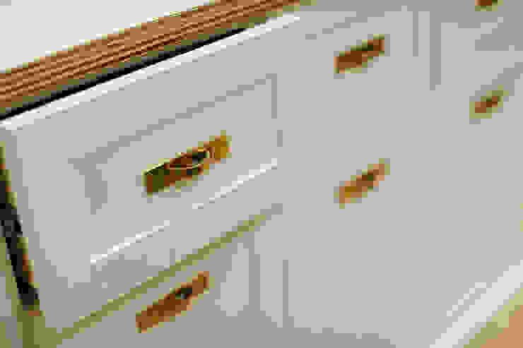 仕切らない家 北欧デザインの キッチン の ELD INTERIOR PRODUCTS 北欧