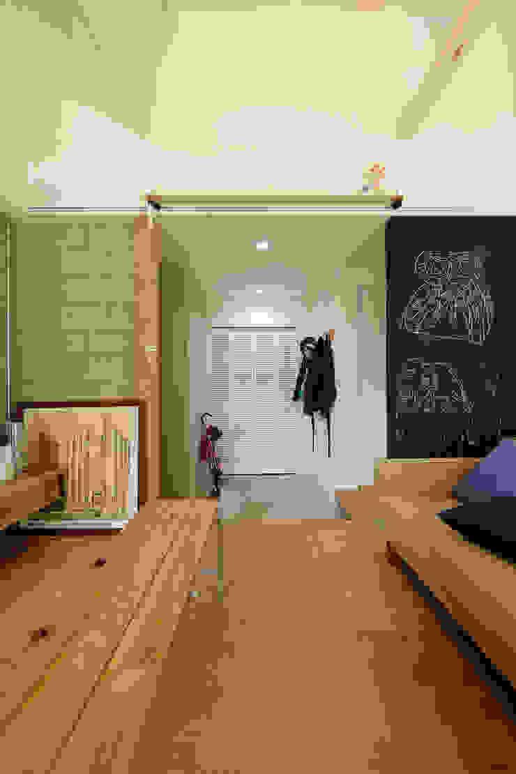 仕切らない家 北欧デザインの リビング の ELD INTERIOR PRODUCTS 北欧