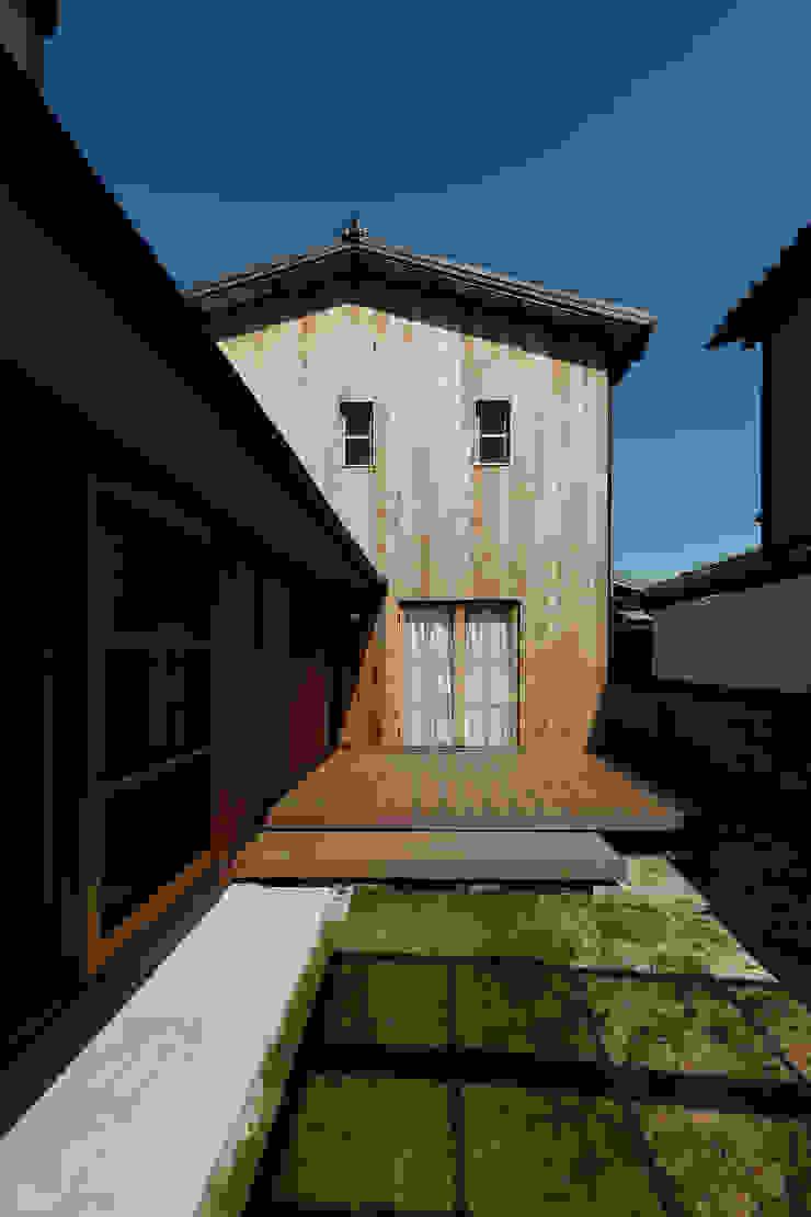 仕切らない家 北欧デザインの テラス の ELD INTERIOR PRODUCTS 北欧