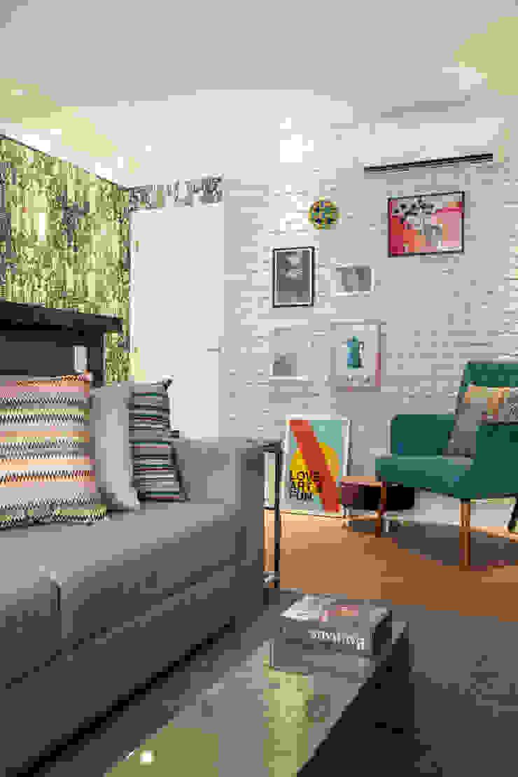 Biarari e Rodrigues Arquitetura e Interiores Living roomTV stands & cabinets MDF Turquoise