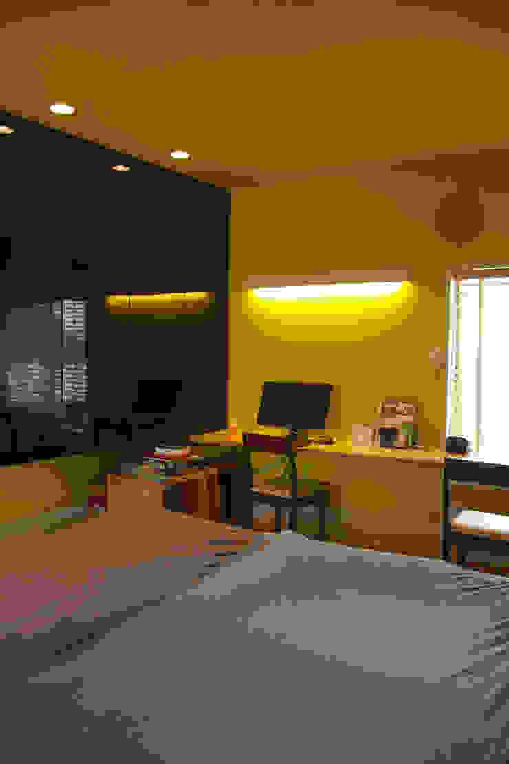 寝室 北欧スタイルの 寝室 の nido architects 古松原敦志一級建築士事務所 北欧