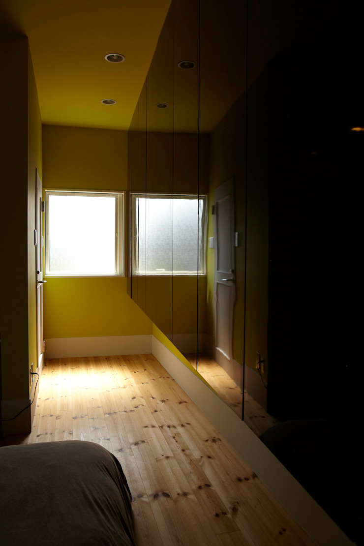 寝室 収納 北欧スタイルの 寝室 の nido architects 古松原敦志一級建築士事務所 北欧