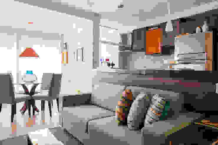 Biarari e Rodrigues Arquitetura e Interiores Living roomSofas & armchairs Flax/Linen Grey