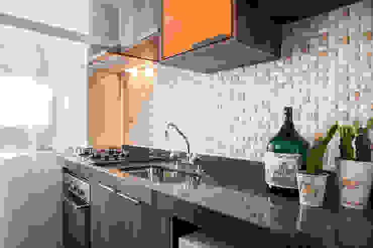 Biarari e Rodrigues Arquitetura e Interiores Study/officeCupboards & shelving MDF Orange