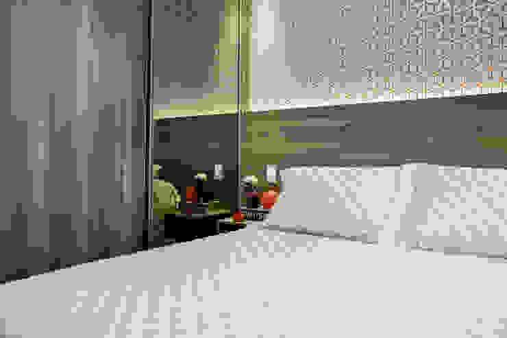 Biarari e Rodrigues Arquitetura e Interiores BedroomBeds & headboards MDF Brown