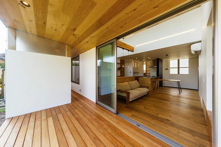 haus-turf 北欧デザインの テラス の 一級建築士事務所haus 北欧