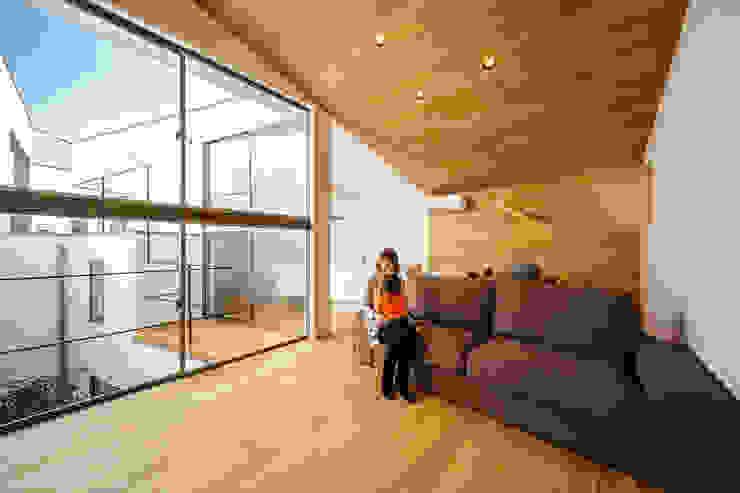 bent 北欧デザインの リビング の 一級建築士事務所haus 北欧