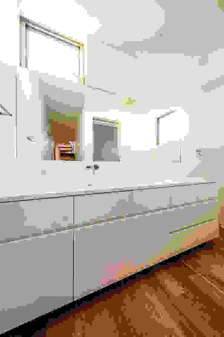 bent 北欧スタイルの お風呂・バスルーム の 一級建築士事務所haus 北欧