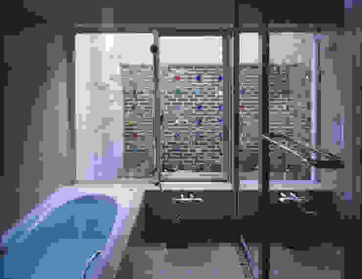 BATHROOM | 百日紅の家 | RC造高級注文住宅 Mアーキテクツ|高級邸宅 豪邸 注文住宅 別荘建築 LUXURY HOUSES | M-architects モダンスタイルの お風呂
