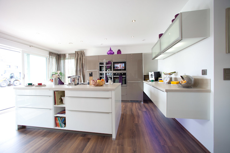 ELK Fertighaus GmbH 現代廚房設計點子、靈感&圖片