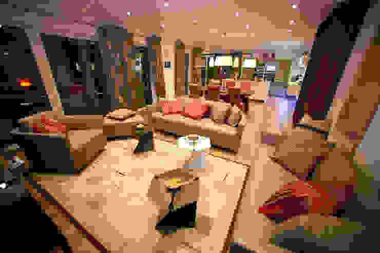 ELK Fertighaus GmbH 现代客厅設計點子、靈感 & 圖片