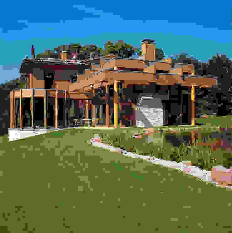 ELK Fertighaus GmbH Rustic style houses