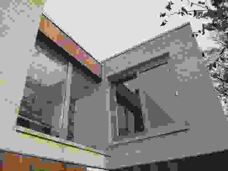 Casas modernas por ELK Fertighaus GmbH Moderno