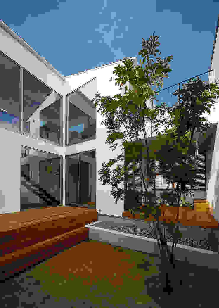 Balcones y terrazas de estilo escandinavo de 一級建築士事務所haus Escandinavo