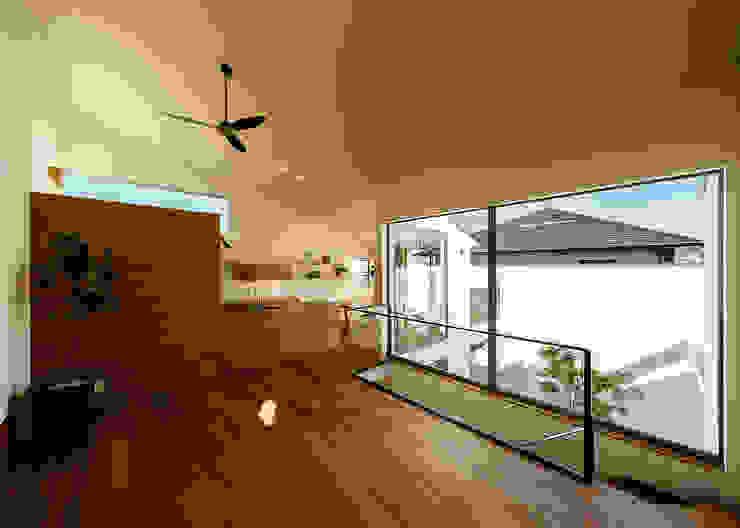 Phòng khách phong cách Bắc Âu bởi 一級建築士事務所haus Bắc Âu