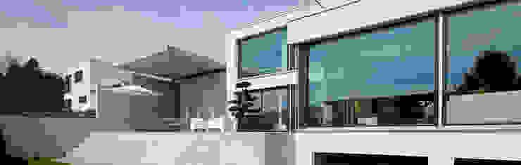 Balcon, Veranda & Terrasse modernes par Unica Architektur AG Moderne