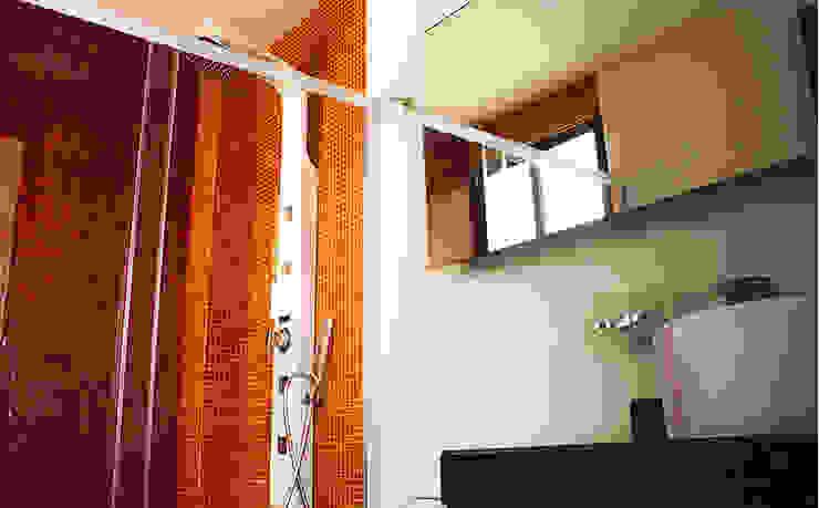 Vista Interior- Baño Baños modernos de homify Moderno