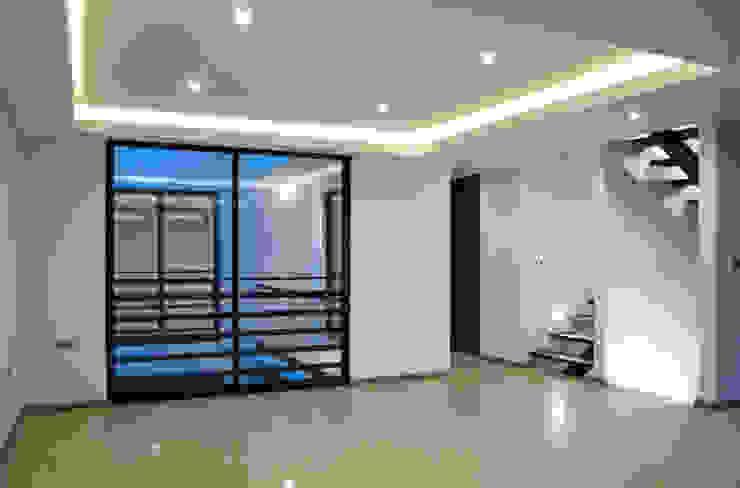 Vista Interior- Sala Salones modernos de homify Moderno