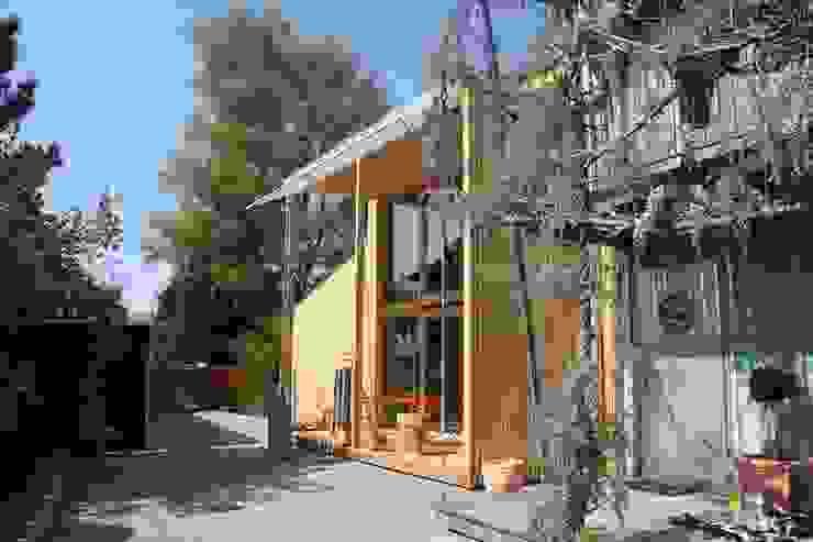 Südfassade mit Hof und bestehender Hausteil Moderne Häuser von bb architektur gmbh Modern