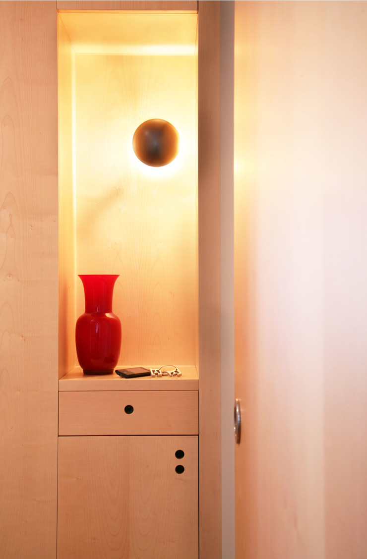 isabella maruti architetto Corridor, hallway & stairsLighting