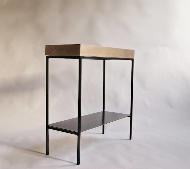 """Konsola modernistyczna ze stali i dębu """"TOWER"""" od NordLoft - Industrial Design Minimalistyczny"""