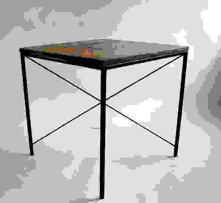 "Steel and oak wood modernist table ""KIRUNA X"" von NordLoft - Industrial Design Skandinavisch"