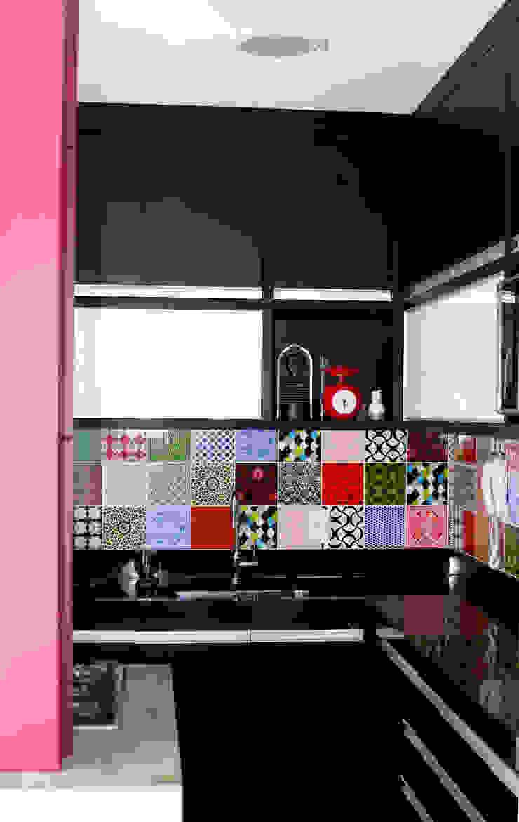 verso arquitetura Modern kitchen