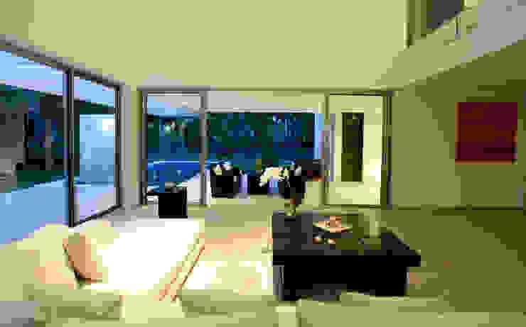 Casa entre Arboles Salones modernos de Enrique Cabrera Arquitecto Moderno