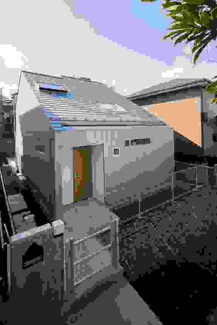 Moderne Häuser von 長久保健二設計事務所 Modern