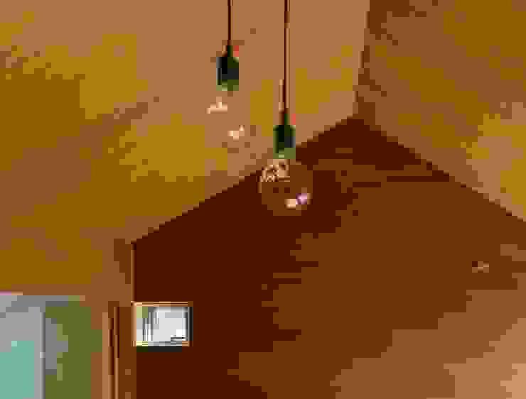 Moderne Kinderzimmer von 長久保健二設計事務所 Modern