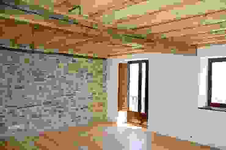 Dormitorio Estado definitivo Dormitorios rústicos de Lidera domÉstica Rústico
