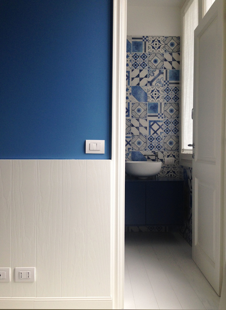 casa Fiori Mediterranean style bathrooms by Studio Matteoni Mediterranean