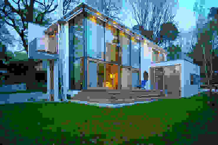 Wohnhaus Heinrich-Delp Straße Moderne Häuser von Kramm + Strigl Architekten und Stadtplaner Modern