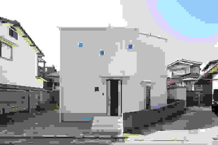 Rumah Modern Oleh 株式会社かんくう建築デザイン Modern