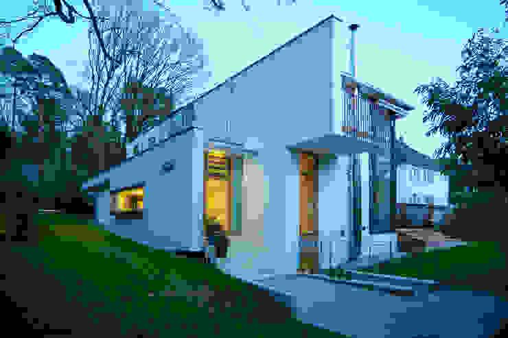 Ansicht West Moderne Häuser von Kramm + Strigl Architekten und Stadtplaner Modern
