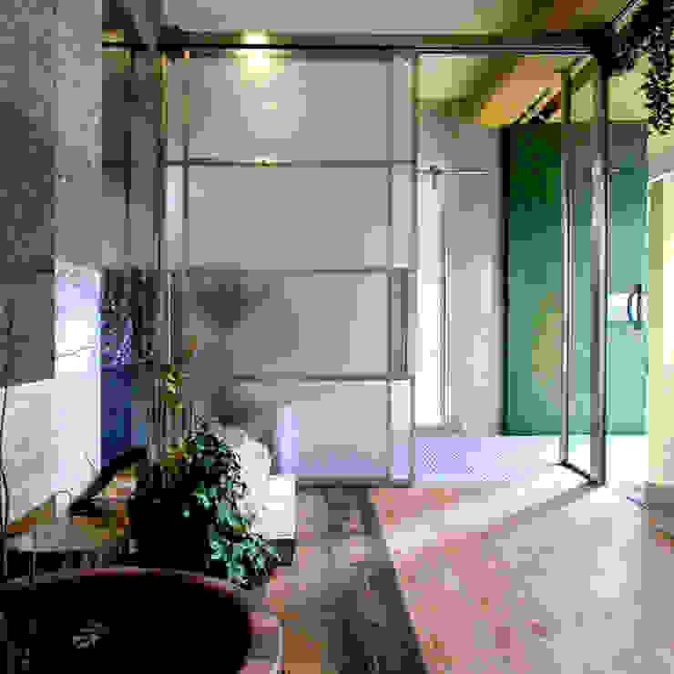 ガラスの引戸: ユミラ建築設計室が手掛けた窓です。,