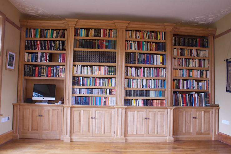 Oak Break fronted Bookcase Classic style study/office by Worsley Woodworking Classic