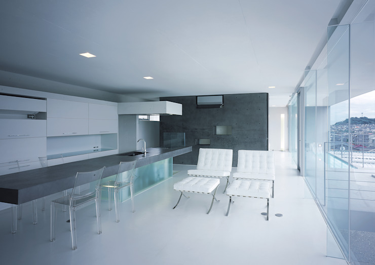 中山の住宅: アトリエ環 建築設計事務所が手掛けたリビングです。,モダン