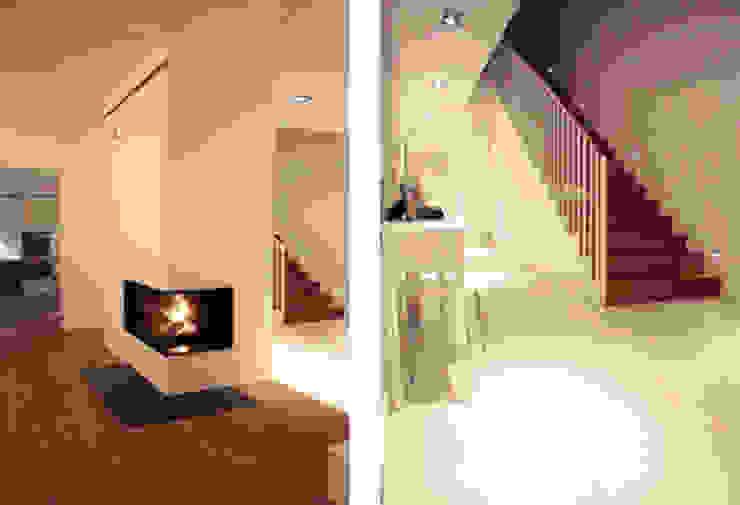 Moderne gangen, hallen & trappenhuizen van MK-ARCHITEKCI Modern