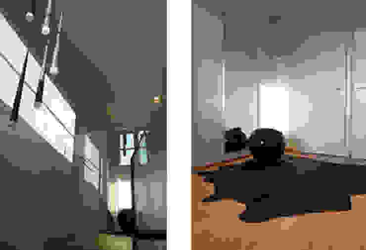 Projekt wnętrza domu w Krakowie Nowoczesny korytarz, przedpokój i schody od MK-ARCHITEKCI Nowoczesny