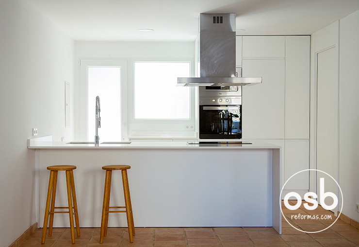 Modern Kitchen by osb arquitectos Modern