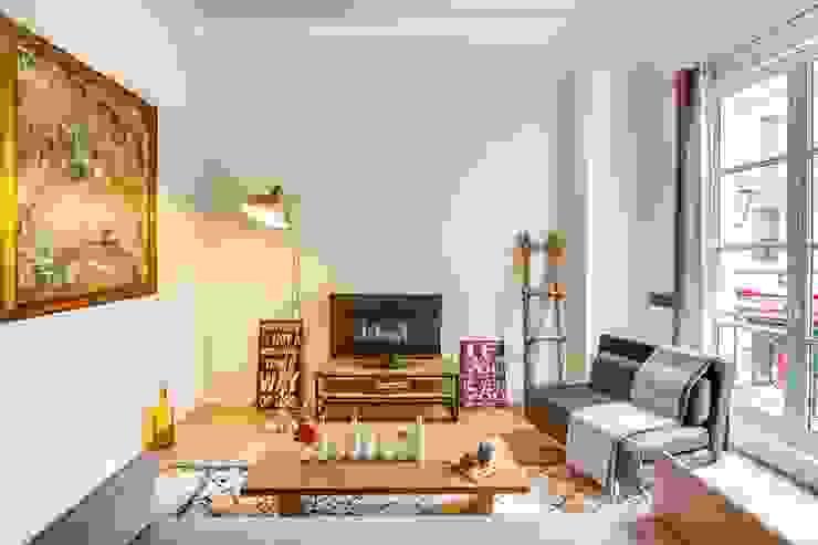 Living room by Meero, Industrial