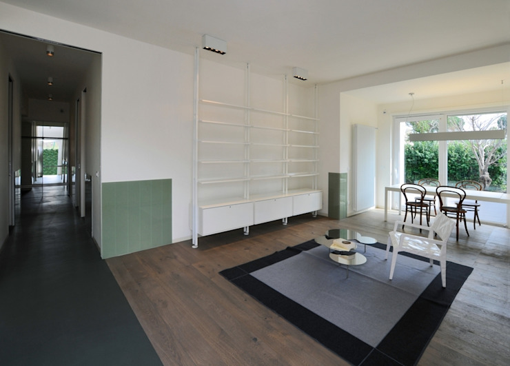 CAS/AL/PALOCCO [2012] Soggiorno moderno di na3 - studio di architettura Moderno Legno Effetto legno