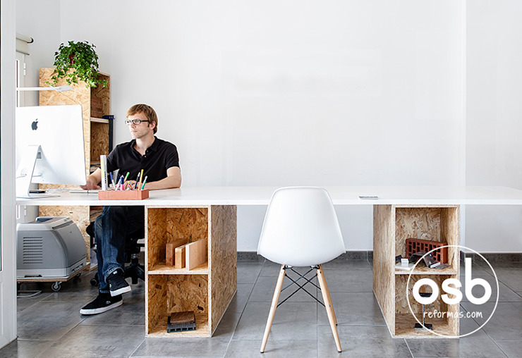 Mesa de trabajo:  de estilo industrial de osb arquitectos, Industrial