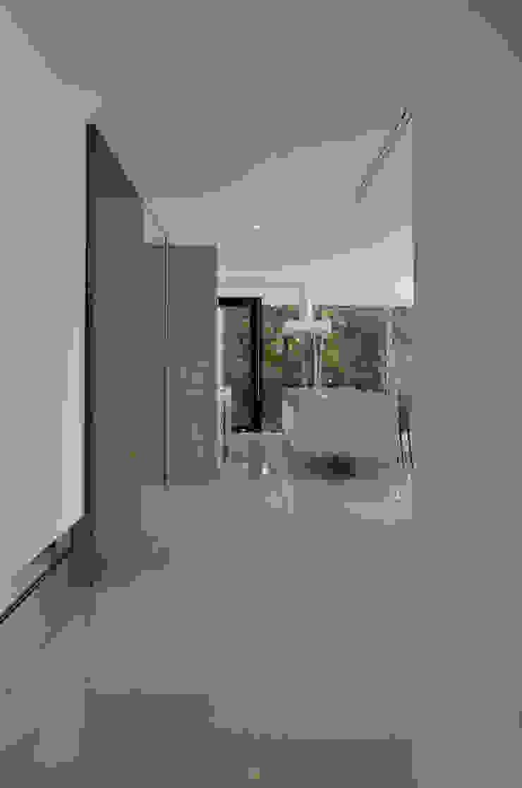 霧島の別荘 モダンスタイルの 玄関&廊下&階段 の アトリエ環 建築設計事務所 モダン