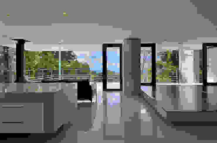 霧島の別荘 モダンデザインの リビング の アトリエ環 建築設計事務所 モダン